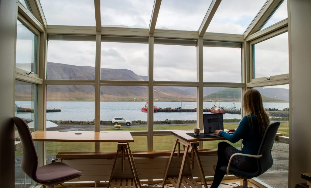 Remote Workers Should Avoid These Bad Habits